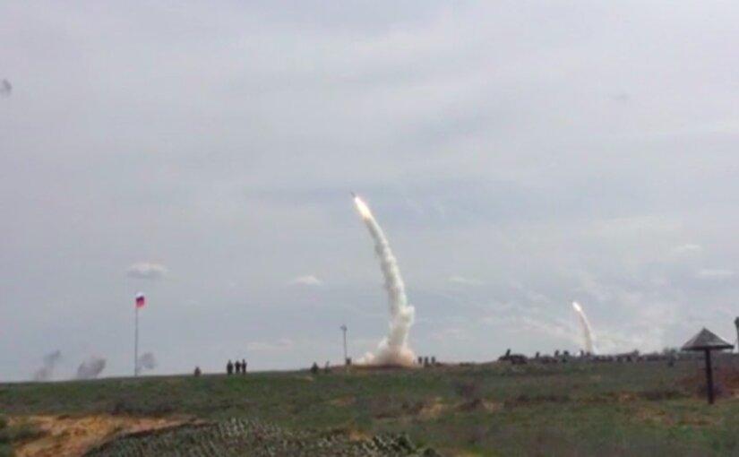 Боевые стрельбы системы С-300 «Фаворит» попали на видео