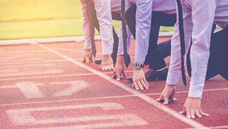 Спорт, конкуренция, бег, бизнесмены, чиновники, госслужащие