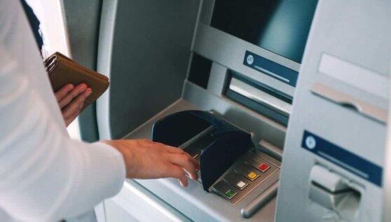 «Сбербанк» перестал принимать в своих банкоматах купюры в 5 тысяч рублей