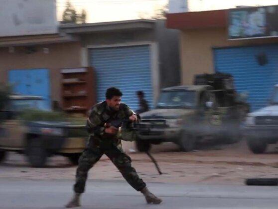 Цена ошибок: 17 марта 2011 года Совбез ООН проголосовал за введение бесполетных зон над Ливией, Россия воздержалась. Спустя два дня началась бомбежка Ливии ВВС НАТО. Война идет до сих пор