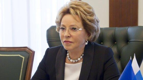 Российские власти разрешили производить медицинские маски без лицензии