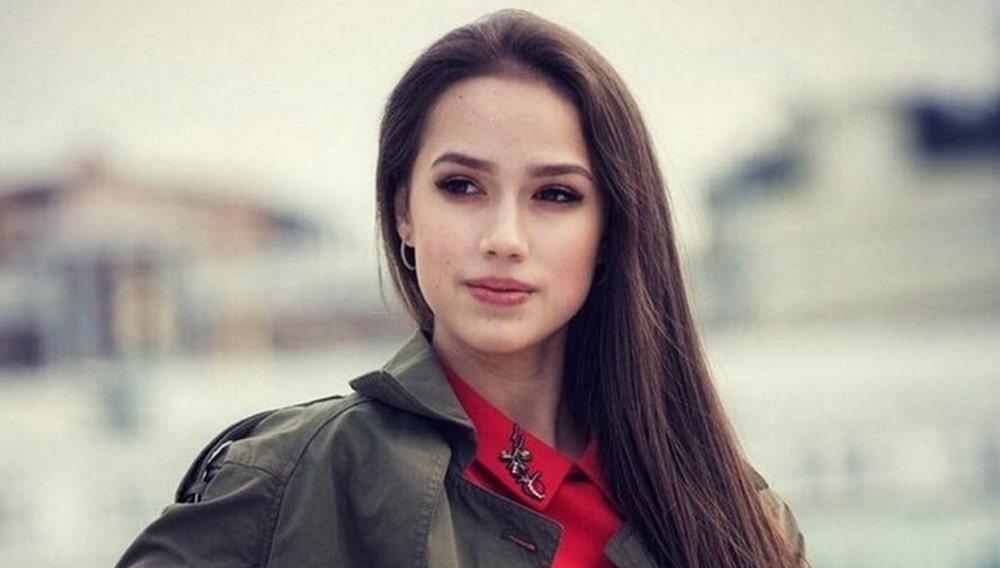 Несовершеннолетней фигуристке Алине Загитовой грозит штраф за езду без прав