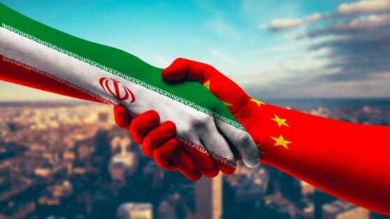 Китайские туристы будут въезжать в Иран без визы