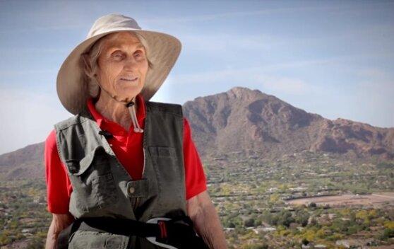 Американка установила рекорд, поднявшись на Килиманджаро в 89 лет