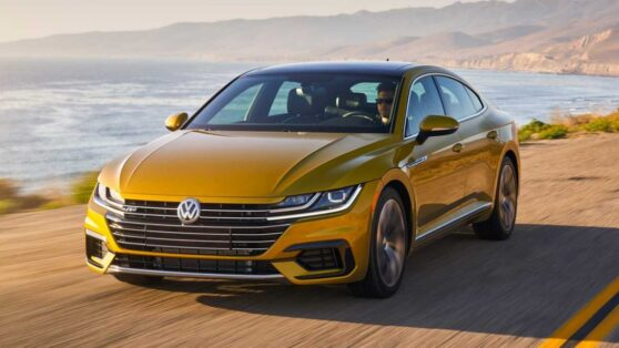 Volkswagen начал продажи лифтбэка Arteon в России
