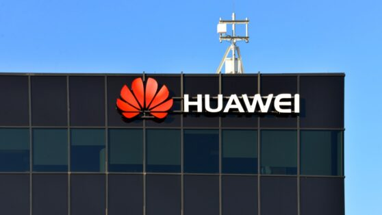 Huawei представила первый 5G-смартфон