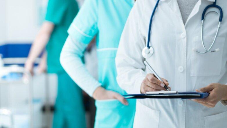 Доктор врач медперсонал больница анализы диагноз
