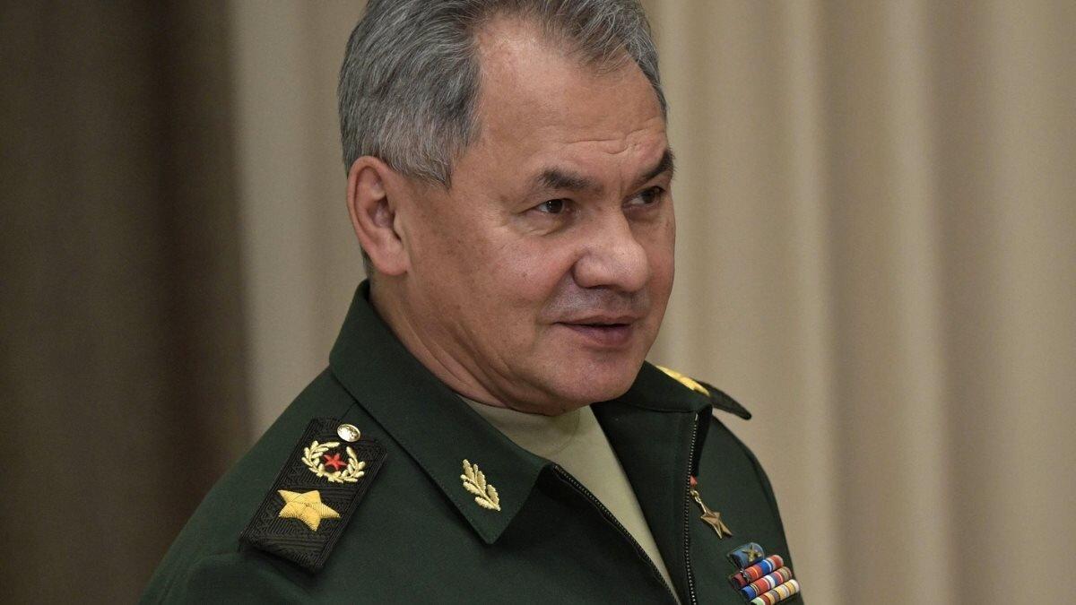 Министр обороны РФ Сергей Шойгу серый фон