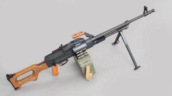 Житель Ингушетии вернул силовикам пулемет, выпавший из машины