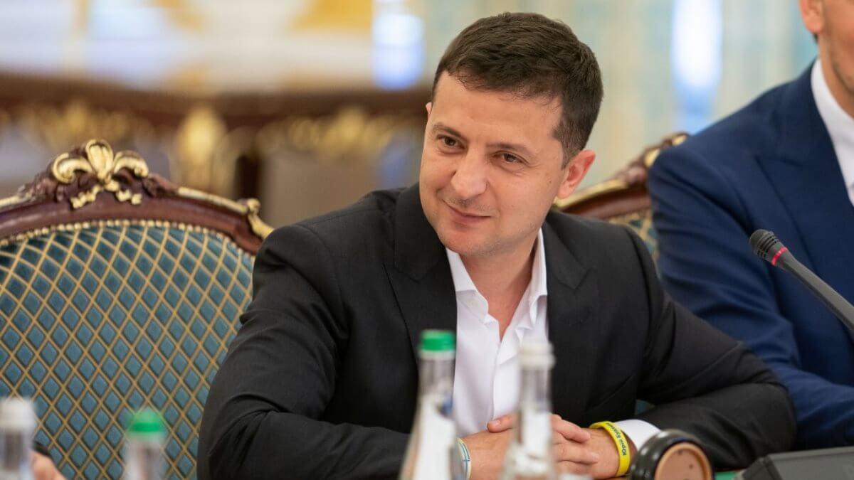Владимир Зеленский дал первое интервью российскому телеканалу