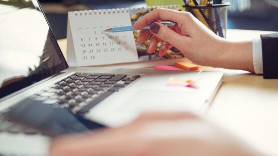 В Роструде разъяснили порядок начисления зарплат до конца апреля