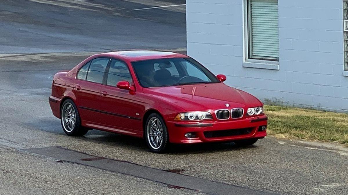 Выставлен на продажу  BMW M5 E39 в идеальном состоянии