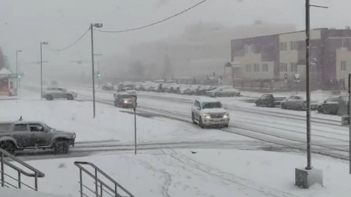 Город Губкинский на Ямале завалило снегом