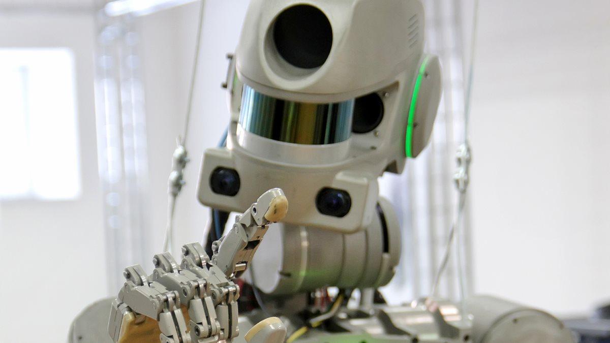 Робот «Федор» не прошел проверку Google из-за своей честности