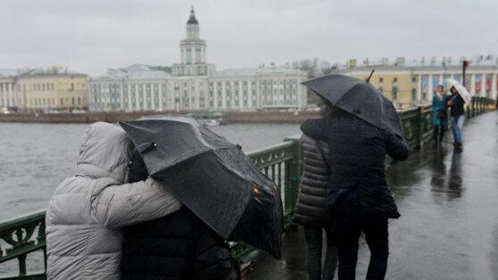 На Санкт-Петербург надвигается сильный шторм