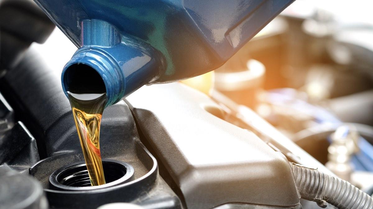 Эксперты рассказали об «убивающем» двигатель моторном масле