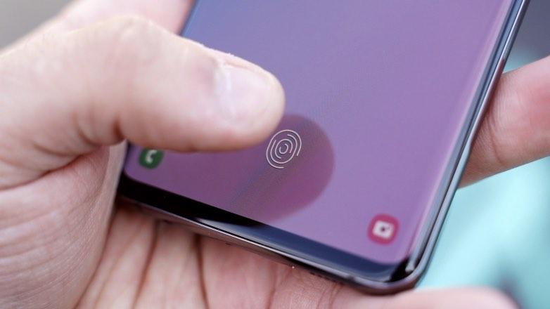 Samsung обещал исправить уязвимость блокировки смартфона по отпечатку