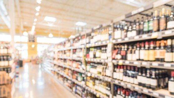 Эксперты оценили состояние цен на алкоголь в крупнейших торговых сетях
