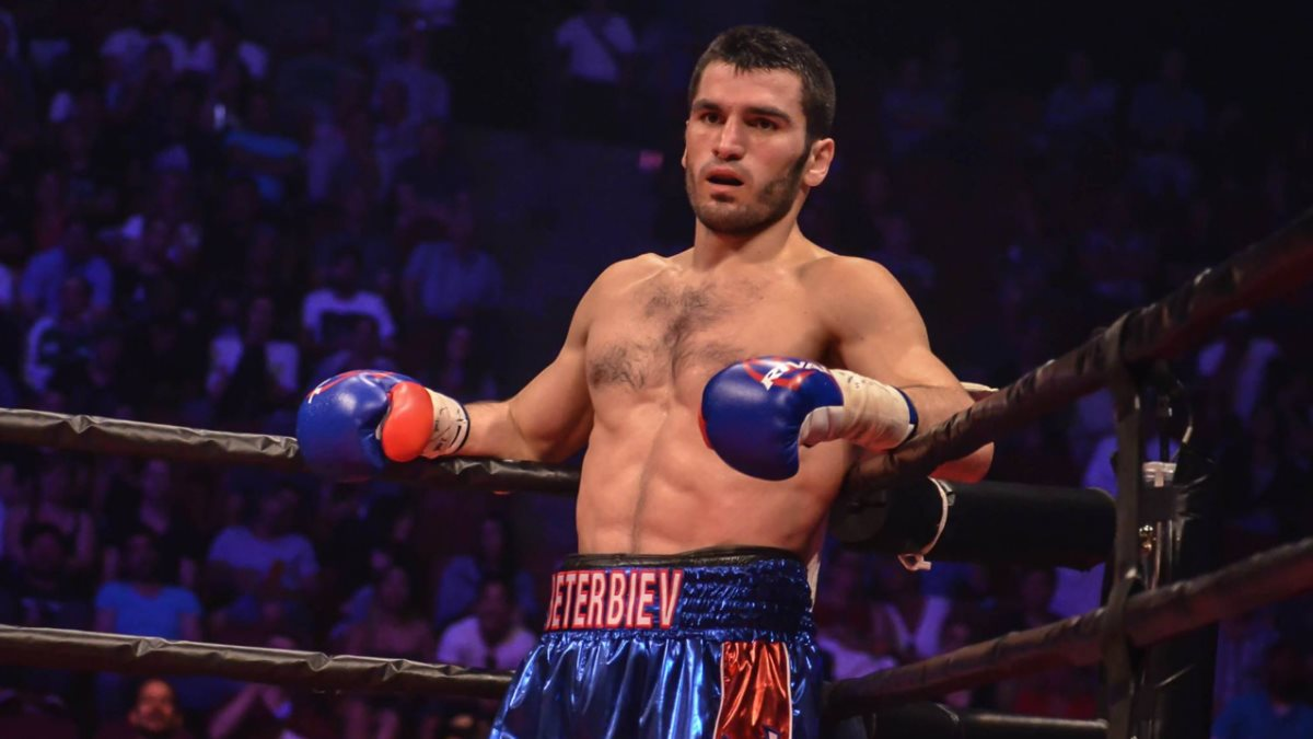 Артур Бетербиев объяснил нежелание выходить на бой с Ковалевым