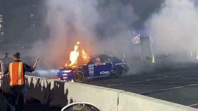 BMW вспыхнул как спичка во время дрифта в Лас-Вегасе