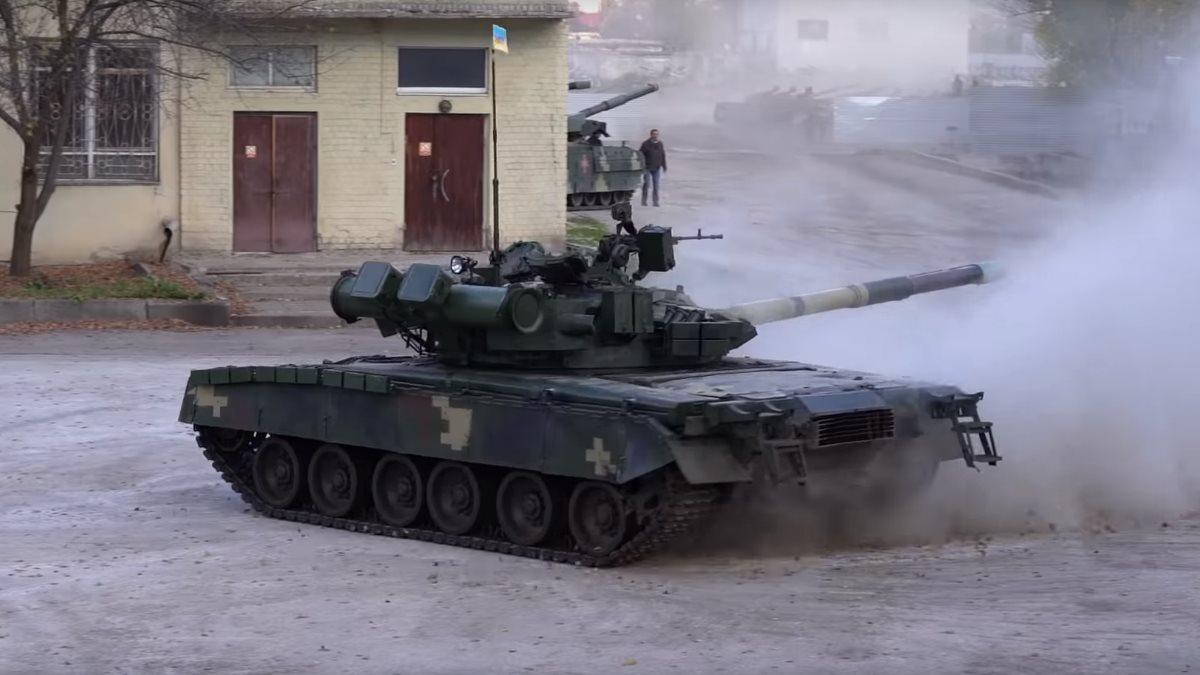 Дрифт украинской версии танка Т-80 показали на видео