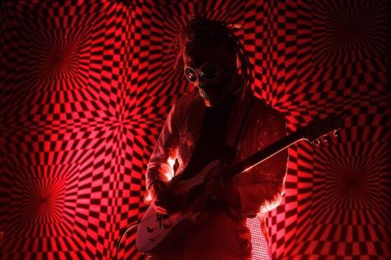 Почему одни музыканты считаются культовыми, а другие - нет