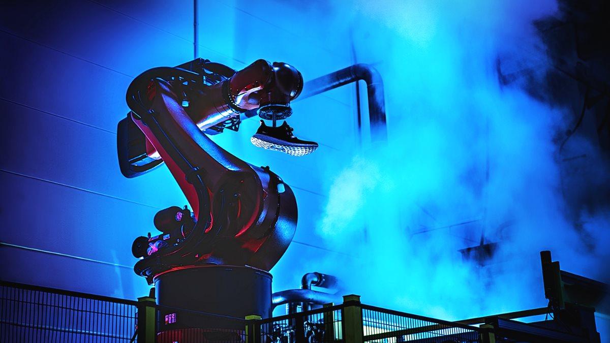 Роботы Adidas переедут в Китай