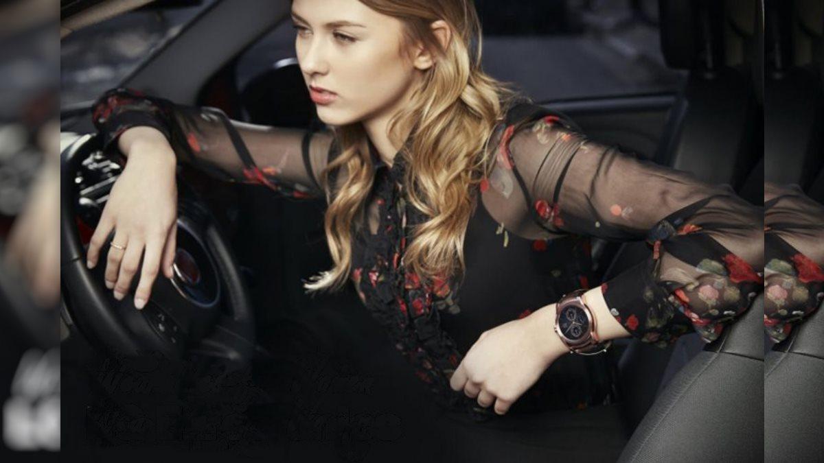 LG начала проектировать гаджеты в виде женских украшений