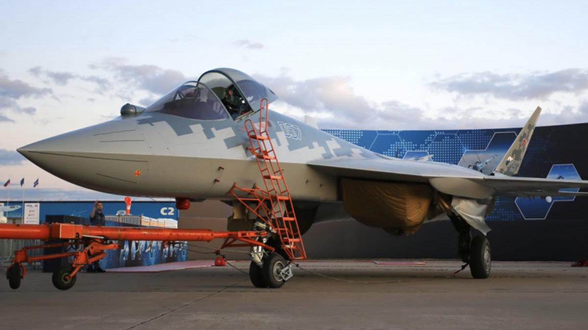 Су-57Э покажут на выставке в Дубае