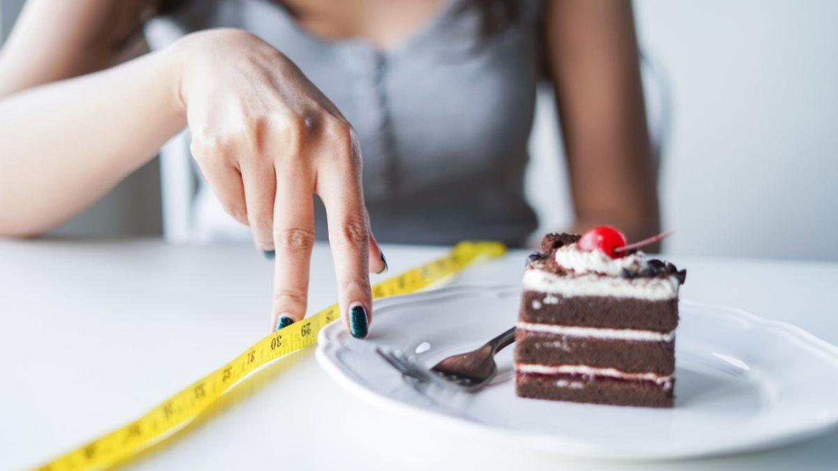 Эксперт по мозгу научила отказываться от сладкого