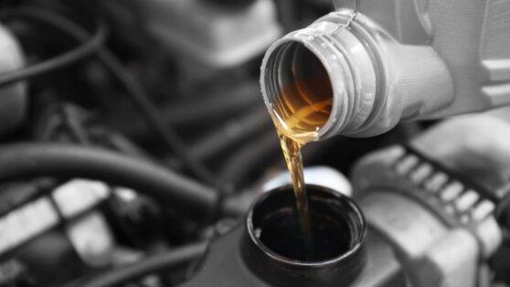 Эксперты выбрали лучшее моторное масло для зимы