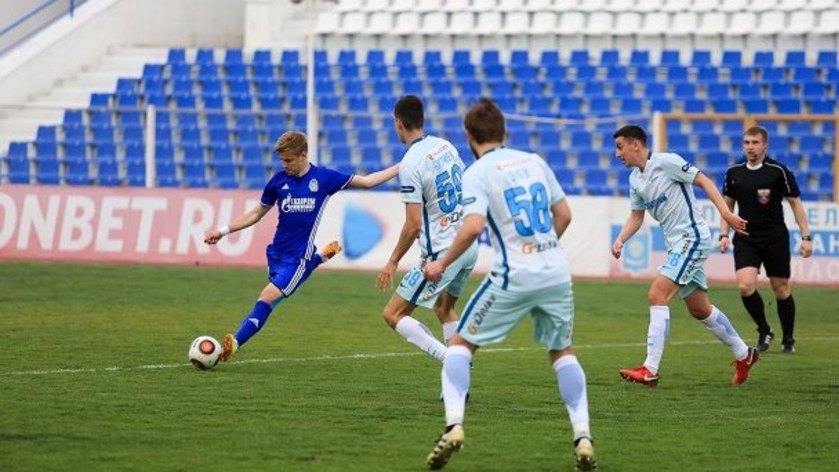 Массовая драка футболистов в Астрахани попала на видео