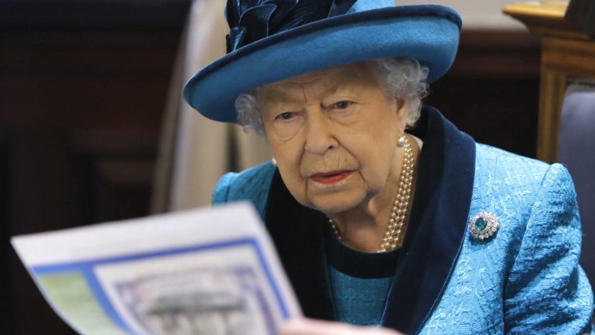 Королева Великобритании ищет себе SMM-менеджера