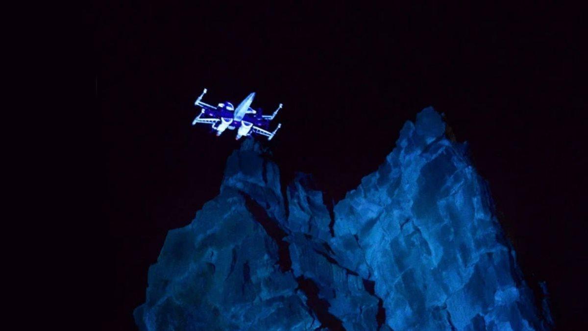 Звездолеты повстанцев X-Wing от Boeing показали на видео