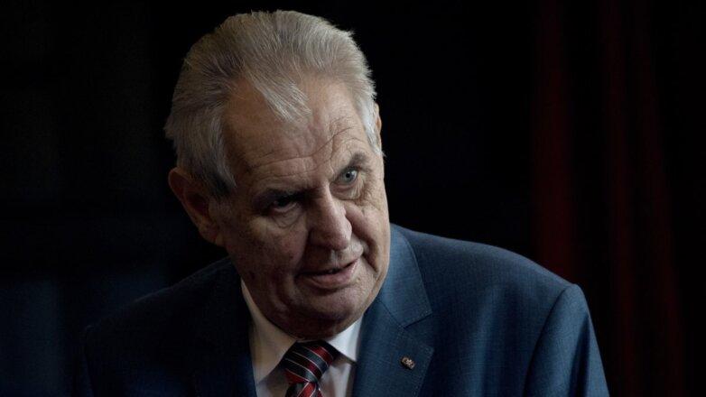 Президента Чехии Милоша Земана прооперировали