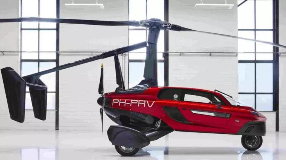 В продажу поступил первый летающий автомобиль