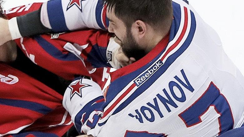 В сети появилось видео драки отсидевшего в тюрьме США российского хоккеиста