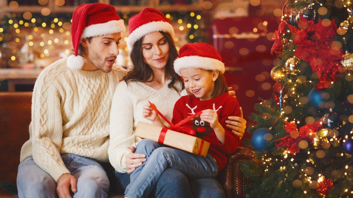 Стали известны новогодние желания российских детей