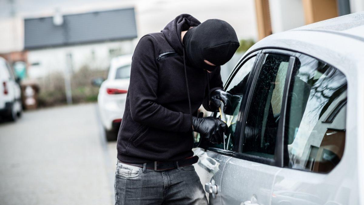 Перечислены простые способы защиты автомобиля от угонщиков