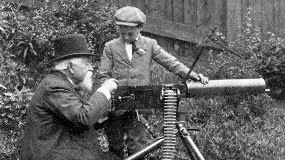 Как пулемет Максима стал первым в мире оружием массового поражения