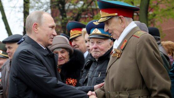Путин пообещал открыть архив документов о Второй мировой войне