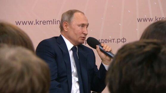Путин рассказал об упрощении получения маткапитала