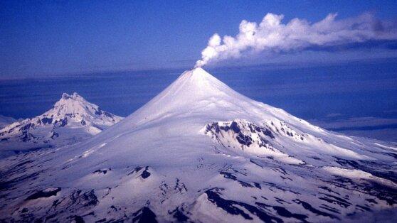 На Аляске проснулся вулкан Шишалдина