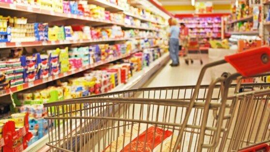 Путин предложил изменить порядок работы магазинов из-за коронавируса