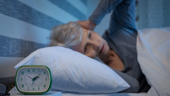 Проблемы со сном связали с деменцией