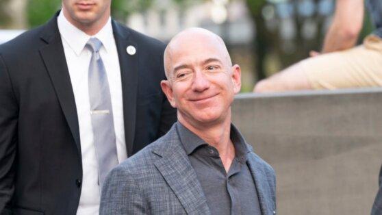 Богатейший человек мира заработал $13 млрд за 15 минут