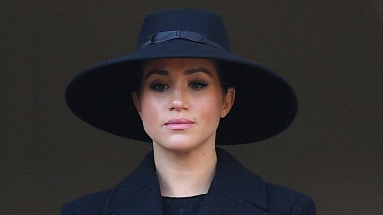 Меган Маркл - Meghan Markle в чёрной шляпе