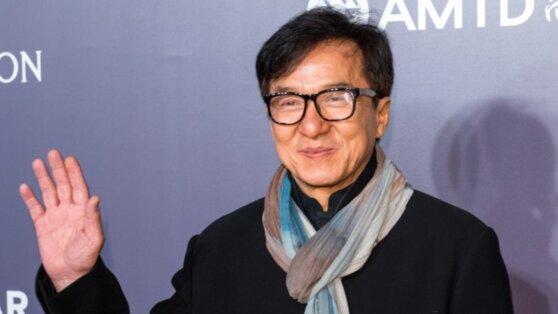 Джеки Чан угодил в карантин с подозрением на коронавирус