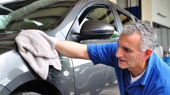 Назван эффективный способ защиты кузова автомобиля от грязи