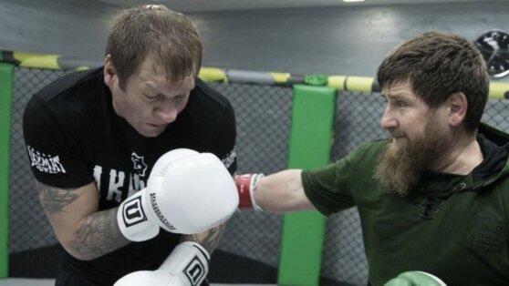 Александр Емельяненко опубликовал новое фото спарринга с Кадыровым
